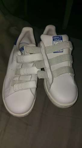 TENIS ADIDAS ORIGINALES TRAIDOS NEGOCIABLES