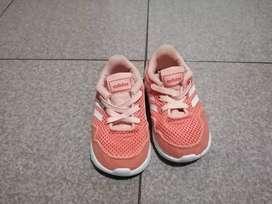 Zapatos deportivos y de salir