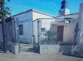 Se vende propiedad en esquina, sobre calles Aconcagua y Palma, a metros de Av. Fuerza Aérea