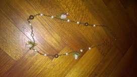 Collar con perlas y flores