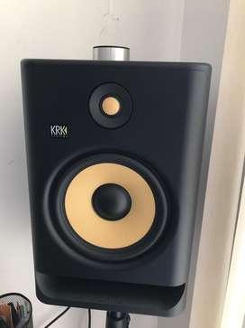 Monitores KRK8 (nuevos)
