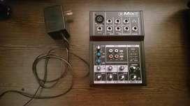 MACKIE MIX 5  Consola de mezclas Compacta  Excelente estado
