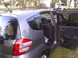 Titular vende Honda Fit m/b