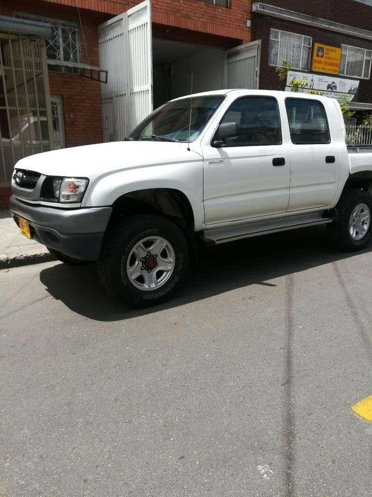 Toyota Hilux Doble Cabina 4x4 0