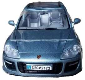 Porsche Cayenne Turbo Escala 1:24, 21 Centímetro de Largo, Metálico Fabricante Motormax