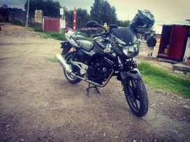 "Transporte de paquetes-pasajero en moto"""