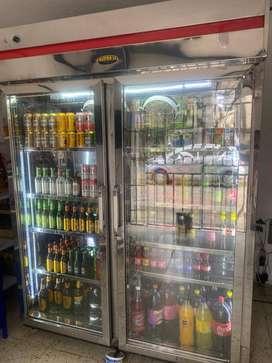 Refrigerador  grande para negocio
