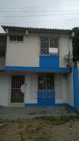 Alquilo Casa Dos Plantas