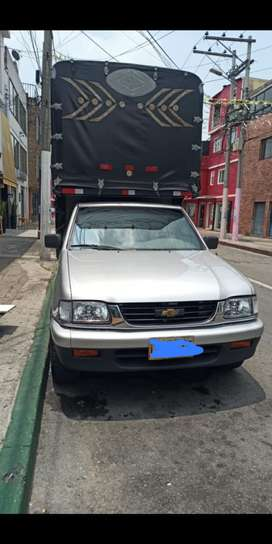 Vendo o permuto Chevrolet luv 2400 es 4x2