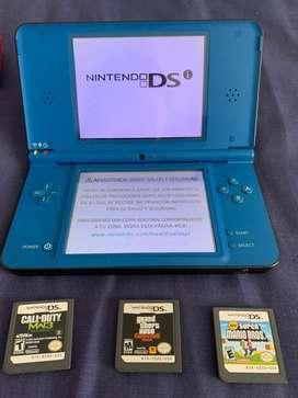 NINTENDO DS con juegos y accesorios