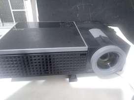 Videobeam Dell 610hd de 3500 lúmens muy buen estado
