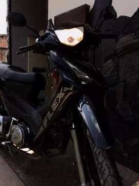 Se vende moto akt flex... excelente estado...seguro y tecnicomecanico nuevo