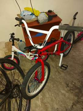 De venta bicicleta bmx tipo GT