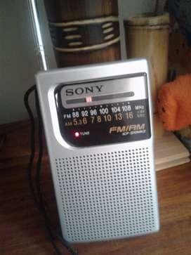 Radio Sony portátil analógica AM/FM
