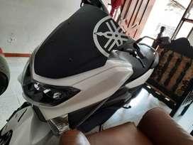 Se vende moto n-max modelo 2021