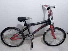 Se vende bicicleta para niño Nueva
