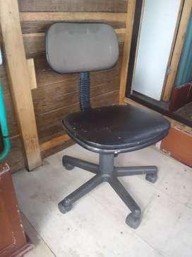 Silla para oficina o computador.