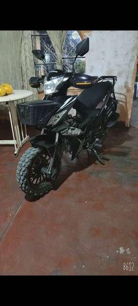 Se vende moto wanxin semi automática