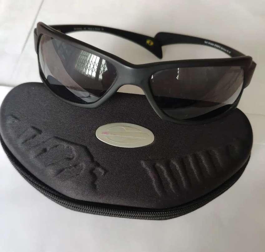 Vendo o cambio gafas brasileras de hombre marca NORMA!!