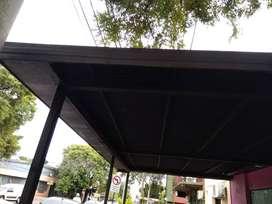 Estructura metálica de techo, con chapas