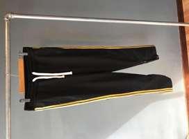 Pantalon Zara, Rebel Minds