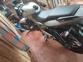 Vendo moto Rouser 200