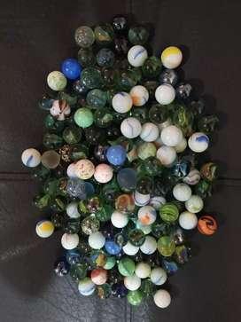 Bolas de cristal y de vidrio - canicas, usado segunda mano  Villa Hermosa