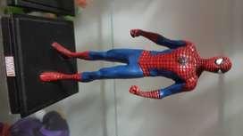Vendo figura spiderman nueva sin abrir