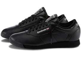 Zapatos Reebok negro y blanco
