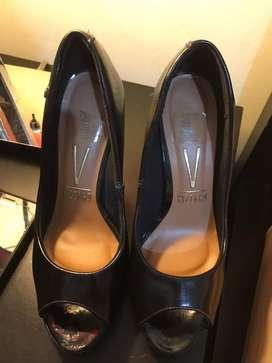 Zapatos vizzano y americanino