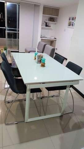 Comedor expandible de 1.20 a 1.90 mts largo aprox + 4 sillas