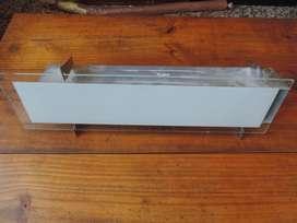 Aplique de iluminación nuevo, para baño o cocina. Barato sin vidrio