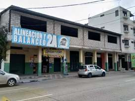 Edificación con Locales  y Galpón en Guayaquil