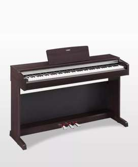 Piano digital Yamaha Arius 142r Clavinova