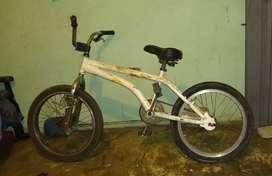 Vendo cicla Lancer n.e en buen estado muy responsable