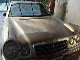 Mercedes Benz E320 modelo 99, nafta, impecable