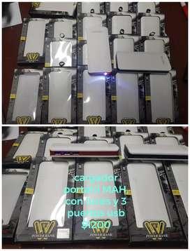 Cargadores portátil 2000mah con linterna 3 usb