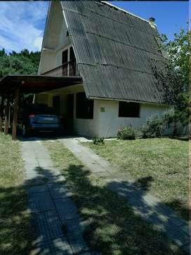 Hermosa Casa con terreno a Media Cuadra del Mar!