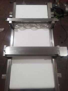 Máquina Laminadora y Formadora de Arepas y Enpanadas