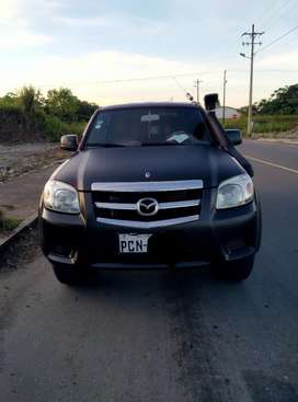 Camioneta Mazda Bt-50 excelente estado