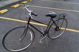 Vendo Bicicleta  para dama   marca BECANE