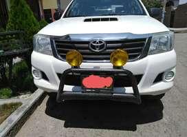 Toyota Hilux Blanca bien cuidada en venta