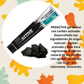 Gel dental PROACTIVE con carbón activado.