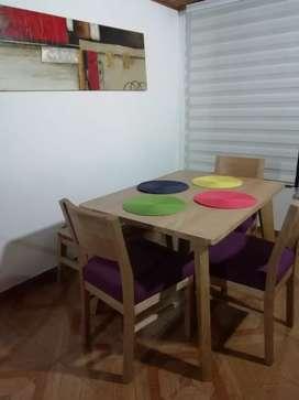 Comedor en Flor Morado