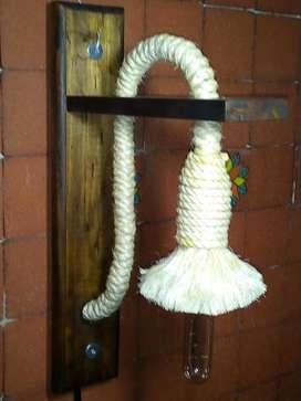 LAMPARA EN MADERA HILO FIQUE