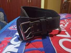 Cinturón para gimnasio cuero.