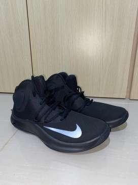 Tenis Nike Air Versitile IV Black