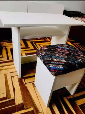 Mesita escritorio para niñ@s