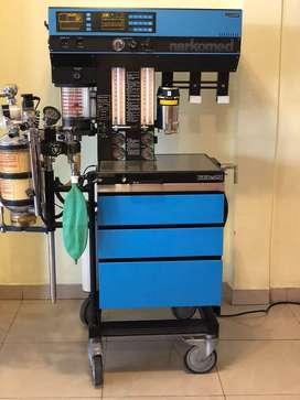 Máquina de anestesia NARCOMED 2B