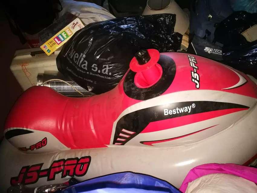 Moto para el agua o piletas de niños o niñas 0
